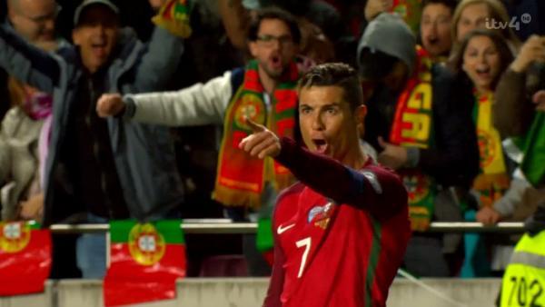 Embedded thumbnail for Cristiano Ronaldo nagyot játszott a magyar válogatott ellen