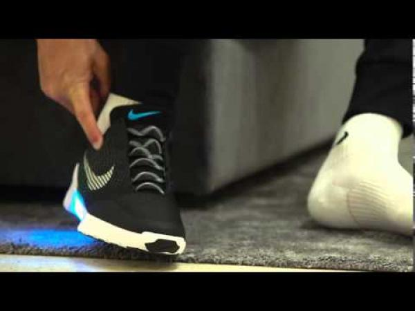 Embedded thumbnail for Hoppá! Cristiano Ronaldo cipője magától befűződik