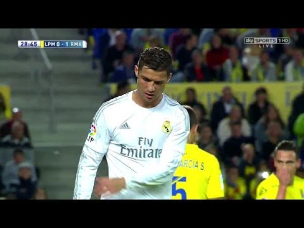 Embedded thumbnail for Cristiano Ronaldo a Las Palmas ellen - összeállítás