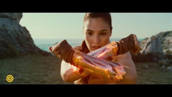 Embedded thumbnail for Itt a második szinkronos Wonder Woman előzetes